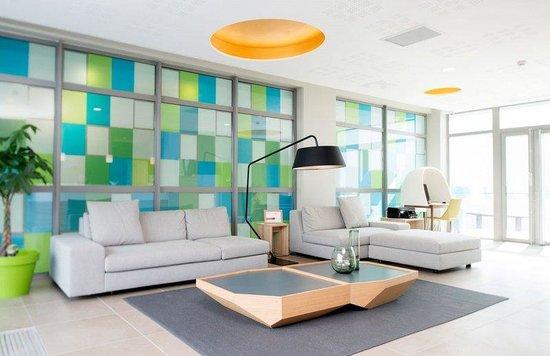 Quality Suites Lyon 7 Lodge : Lobby