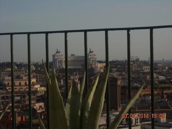 InterContinental de la Ville: IL VITTORIANO   dalla terrazza camera