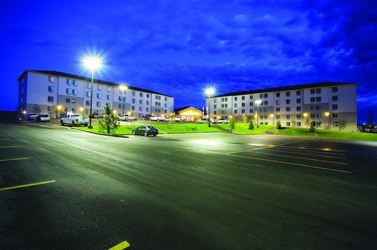 Ramada Williston : Located just north of Williston, on US-2 and less than one mile from the new four-lane US-85 Byp