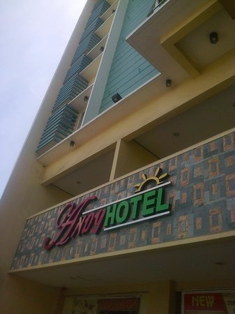 Andy Hotel: Front of hotel