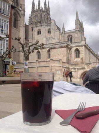 Restaurante Don Nuno: Magnificas vistas de la catedral desde la terraza