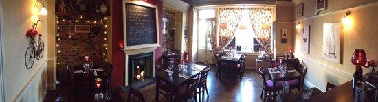 Bingley's Bistro: Panorama of Dining Room