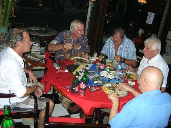 Swiss Restaurant: JASS OBI JEDE MENTIG IM SWISS