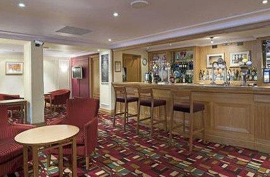 The Airport Inn Manchester: Bar Area