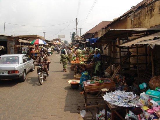 Ethnographique Museum of Porto Novo: Markt in Porto Novo