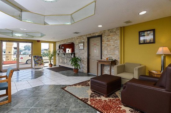 Americas Best Value Inn Winter Haven: Lobby