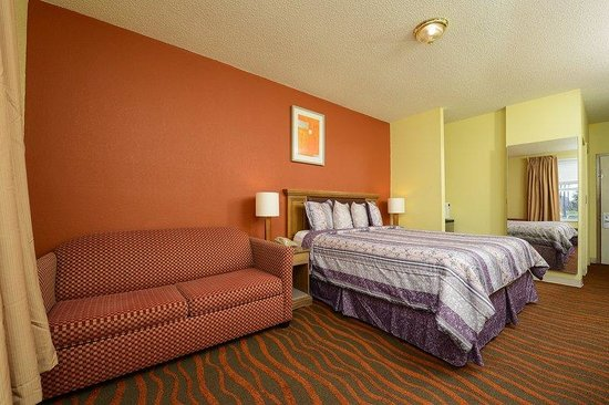 Americas Best Value Inn Winter Haven: One King Bed
