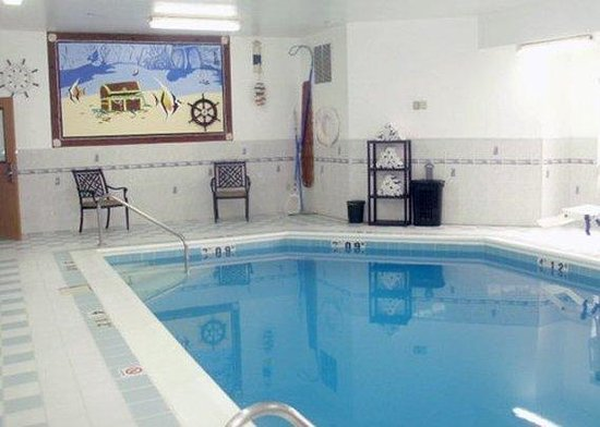 Comfort Inn & Suites : Pool