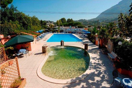 Eden Park Hotel : Pool