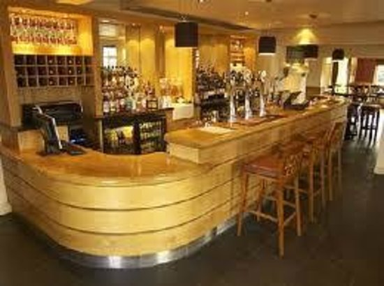 The Cadogan Ingham: Bar