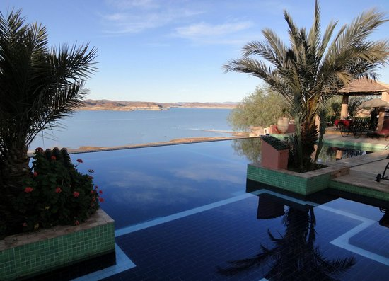 Les Tourmalines : Pool and reservoir view