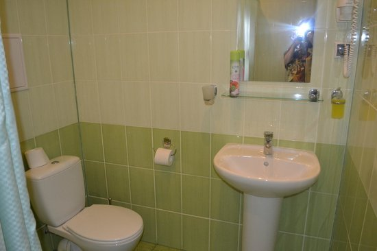 Tipo Hostel : Скромная, но чистая Ванная комната