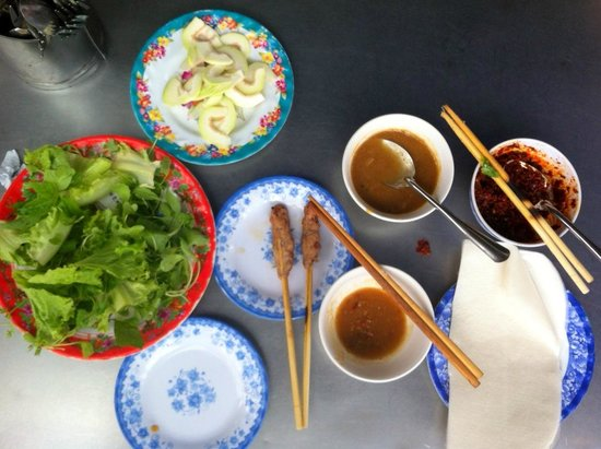 Lac Thien Restaurant : Bún thit nuong, 40.000vnd (BBQ pork fresh springroll)