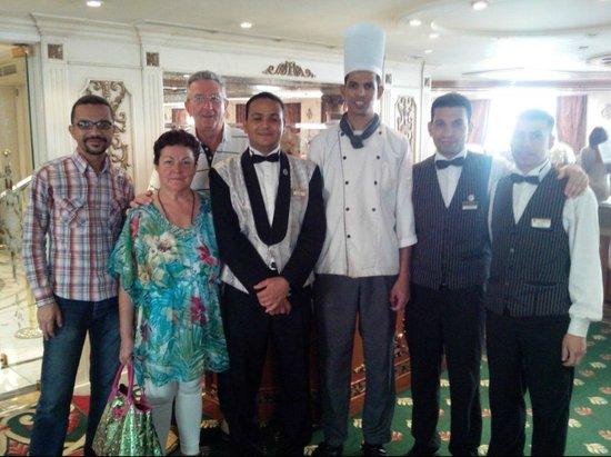 Sonesta St. George Hotel Luxor: Noi con lo Staff di sala
