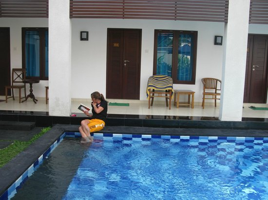 Diving Indo: Pool in front of our room