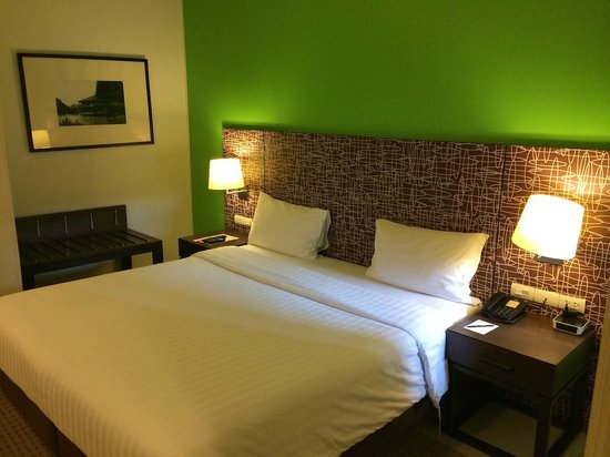 Legacy Express Sukhumvit by Compass Hospitality: Room