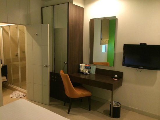 Legacy Express Sukhumvit by Compass Hospitality : Room