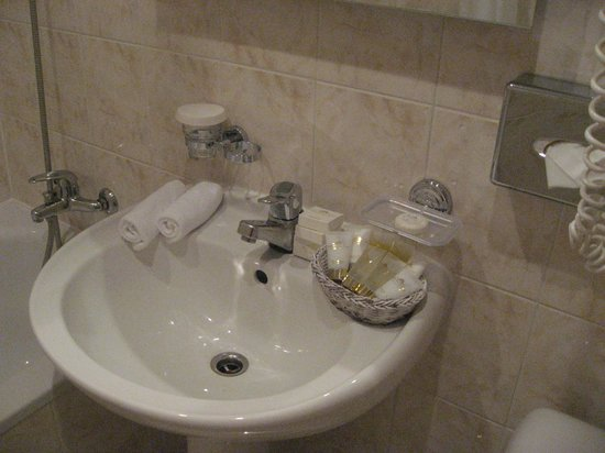 Baltic Beach Hotel & SPA : Bathroom toiletries