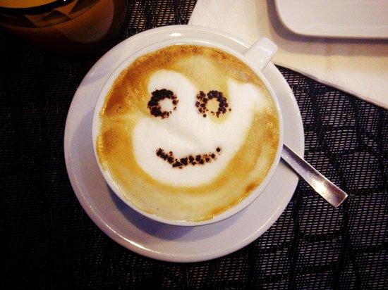 M.G. Bar: Cappuccino:)