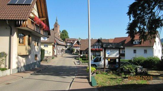 Faxe Schwarzwaelder Hof : Улица перед отелем