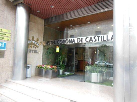 Hotel Corona de Castilla: Hotel Entrance