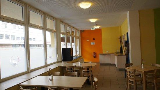 A&O Köln Dom: Cafeteria