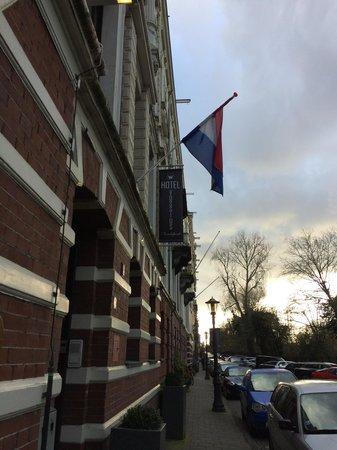 Hotel Vossius Vondelpark: Entrance to hotel