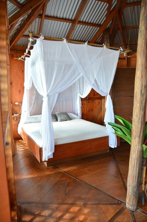 Manicou River: Gorgeous bed!