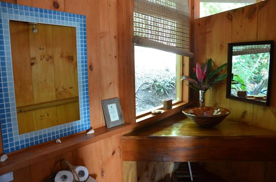 Manicou River: Bathroom, little luxury touches