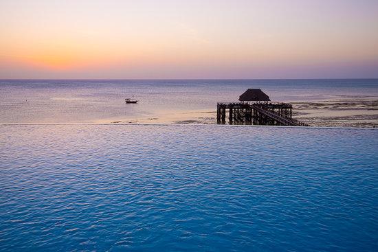 Sea Cliff Resort & Spa: Dusk