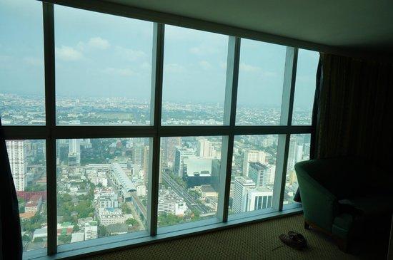Baiyoke Sky Hotel: Wall of windows floor 65
