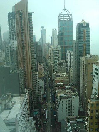 из углового номера 22 этажа, второе окно на город