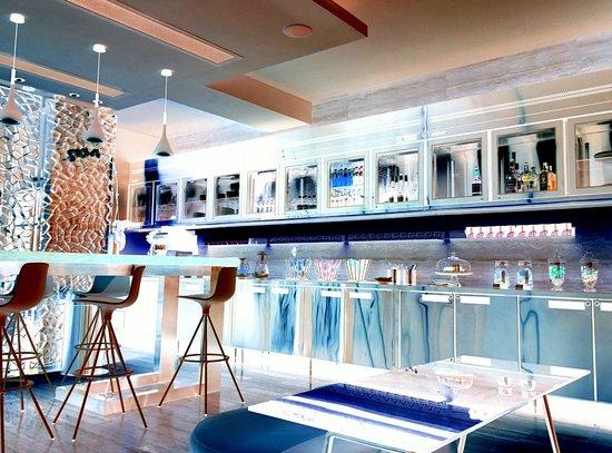 Ovolo Noho: Lounge