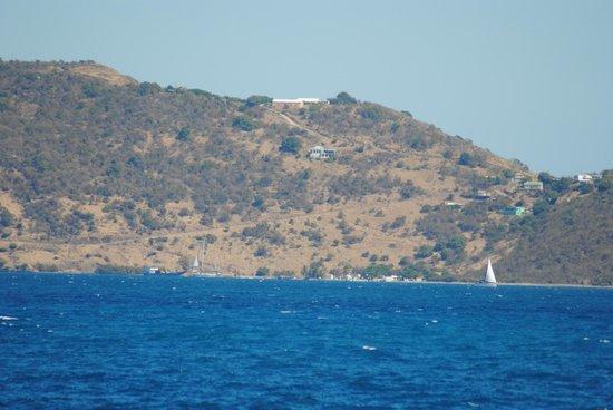 Evening Star Villas : Evening Star på toppen. Bildet tatt fra sjøen