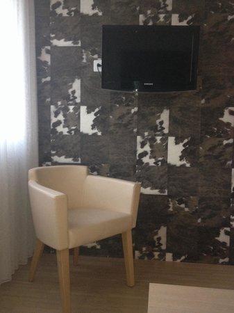 Hotel Alpenblick: Tv room