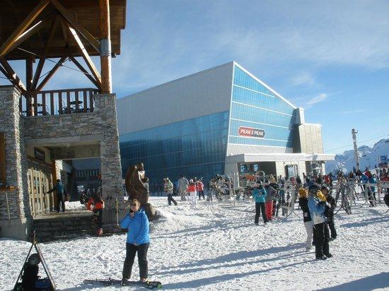 Peak 2 Peak Gondola: Peak 2 Peak Whistler Station