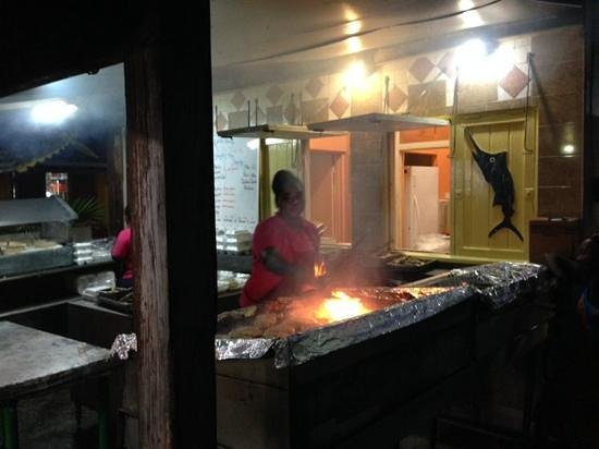 Oistin's Friday Night Fish Fry : cooking our Mahi
