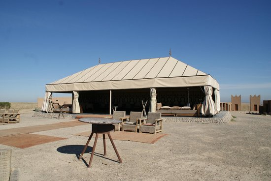 Terre Des Etoiles: Dining room/tent