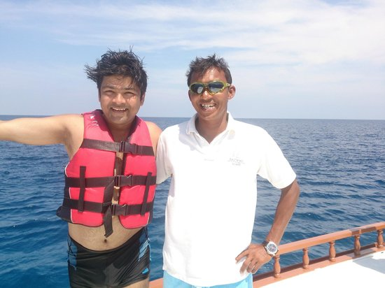 LUX* South Ari Atoll : With Shobe @ House Reef Snorkeling