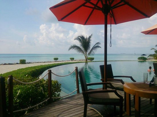LUX* South Ari Atoll : View from Veli Bar