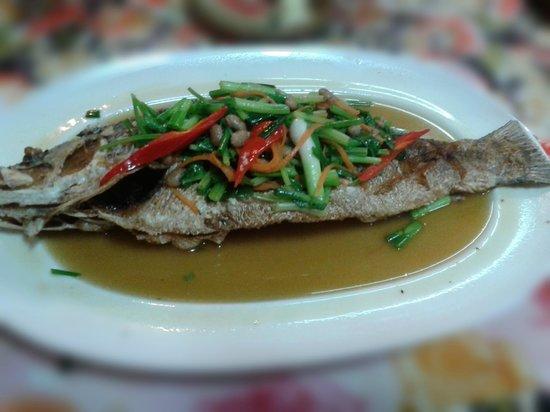 Kwong Shop Seafood: Zeebaars, maar probeer de Red Snapper met cashewnoten eens