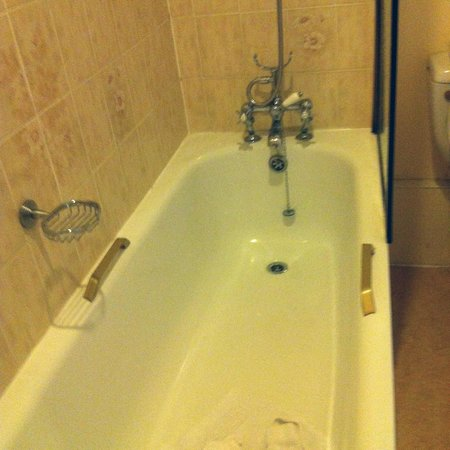 Royal Victoria Hotel: Bath and fittings