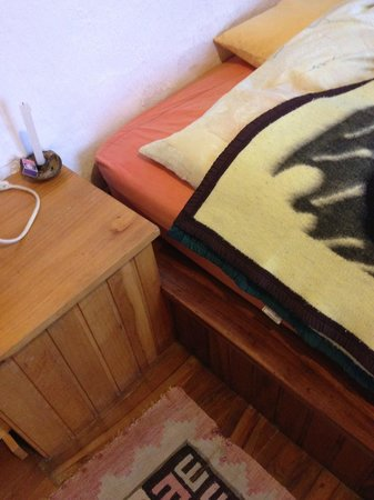 Ecolodge La Estancia: Bed with mold patch at rear