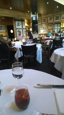 Marco Pierre White Steak and Alehouse : dull and dreary atmosphere
