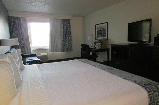 Beach House, A Holiday Inn Resort: room