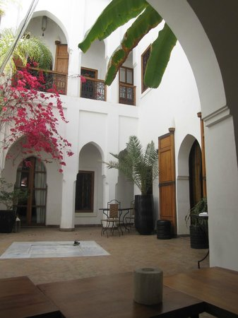 Riad Miski: court yard