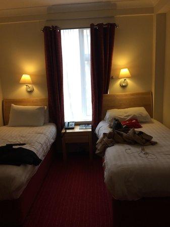 Kensington Close Hotel: Camera doppia