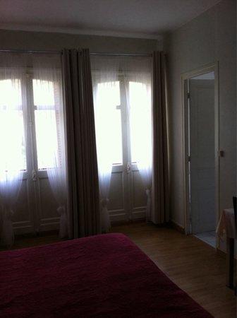 Hotel Restaurant Le Tivoli: Chambre au calme