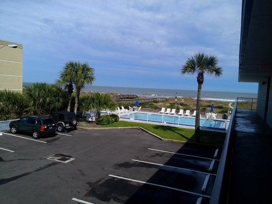 Beachside Motel : view from room 33 (if you stand up)