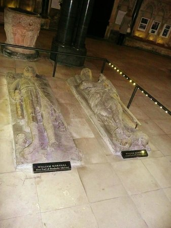 Temple Church: 'They're not Tombs - they're effigies'!!!